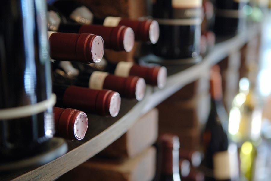 Weinregale ung Weinglashalter